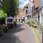 de smalle straten in Oosterend