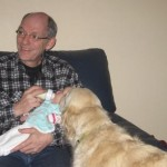 opa geeft Kylie haar flesje