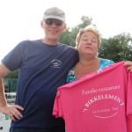 168 - Rene met Joke Hooijschuur in de sponsor-shirts